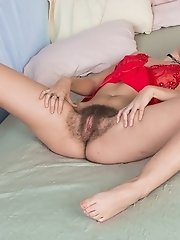 Aali Rousseau strips and shows off hairy body